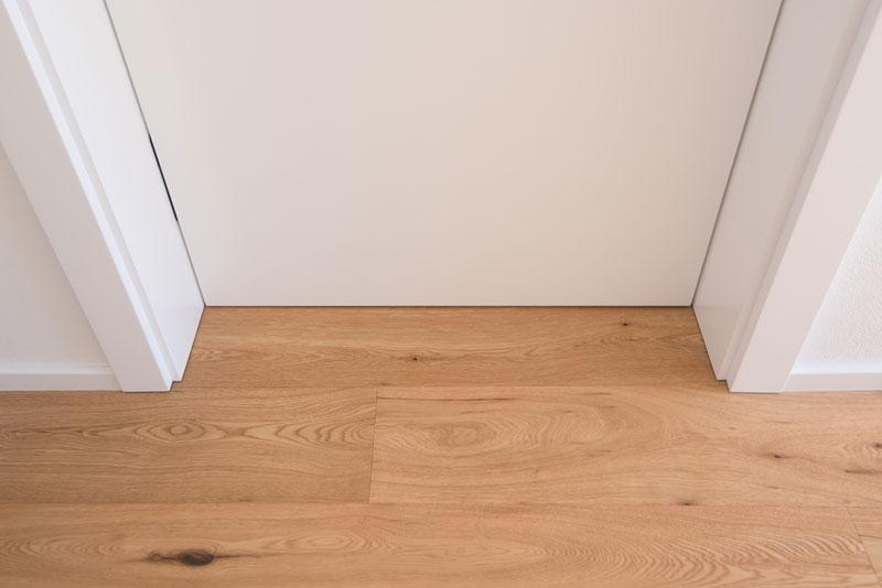 Notranja-vrata-pogled-s-strani-sobe