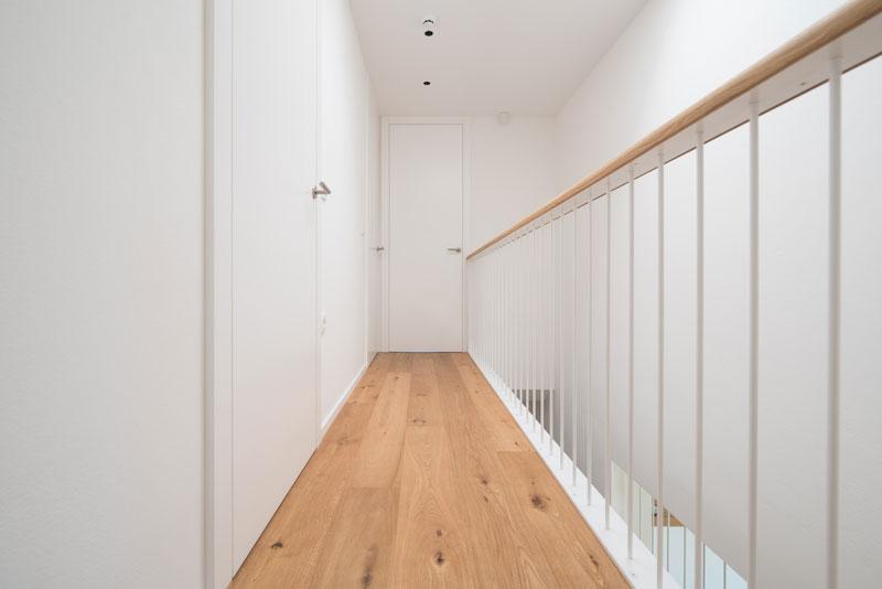 Notranja-vrata-poravnana-s-hodnika---odpiranje-v-podboj
