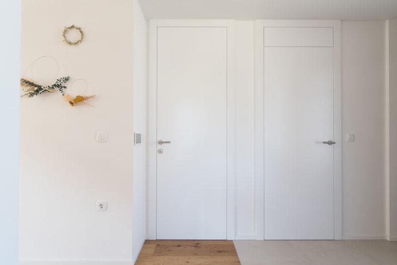 Notranja-vrata-visoka-do-stropa