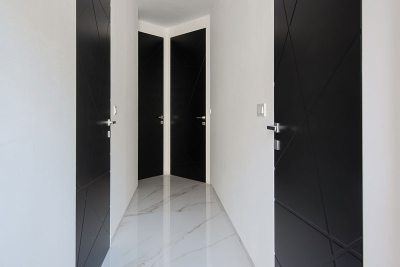 Notranja-vrata-s-skritim-podbojem